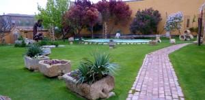 Alberque-yard-Boadilla-del-Camino-Spain-Camino-de-Santiago